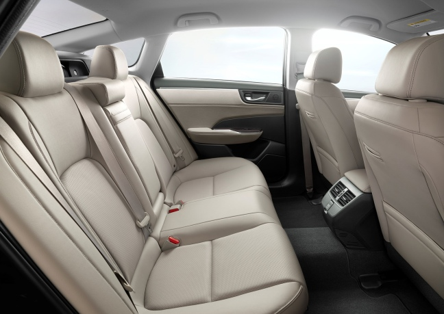 Clarity PHEV Rear Seat
